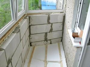 Как надежно утеплить балкон