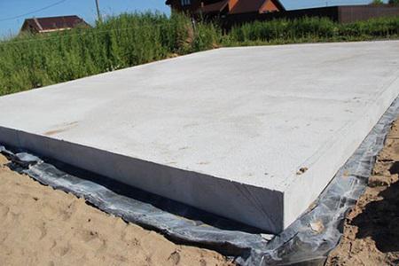 Как обустроить плитный фундамент на грунте с неоднородной плотностью