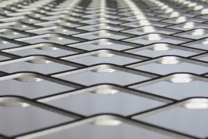 Основные характеристики металлической сетки для армирования бетонных или оштукатуренных поверхностей