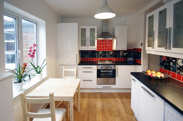 Основные этапы выполнения ремонтных работ в кухонном помещении